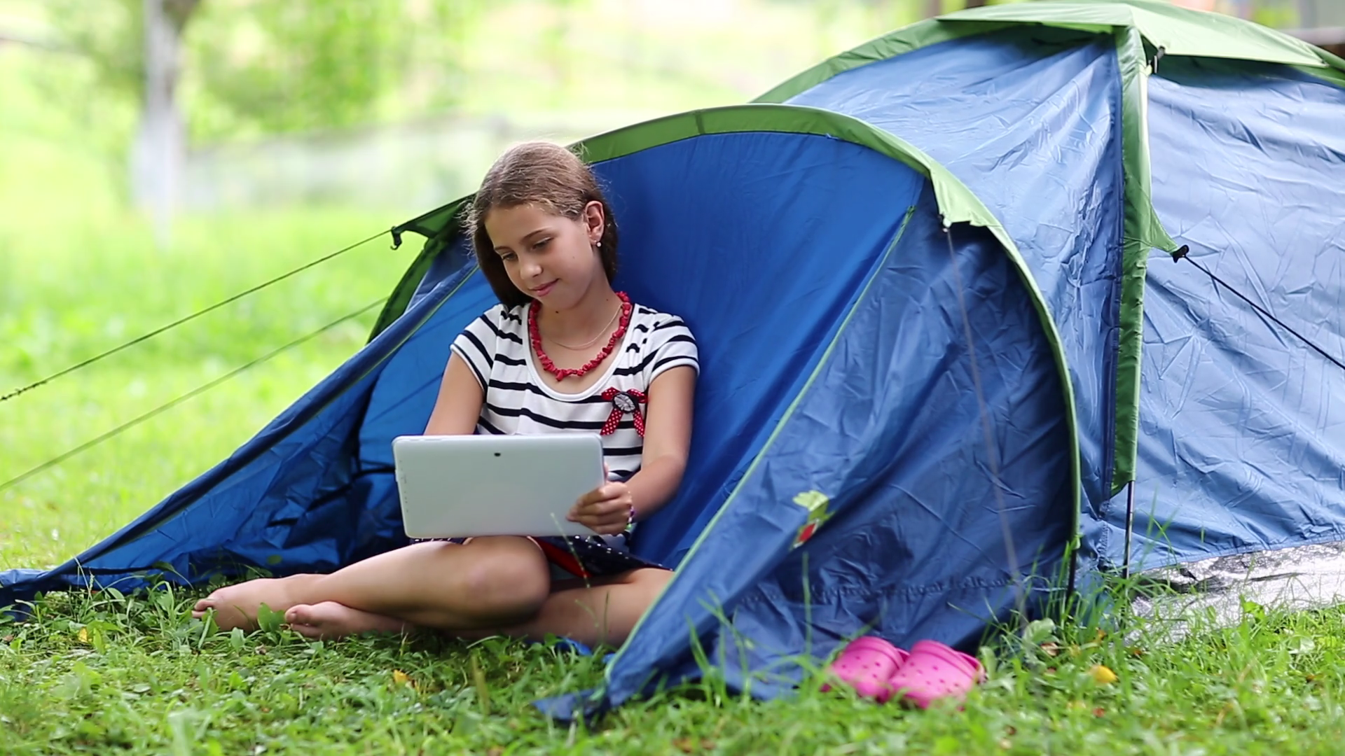 tent-and-computer-150x150